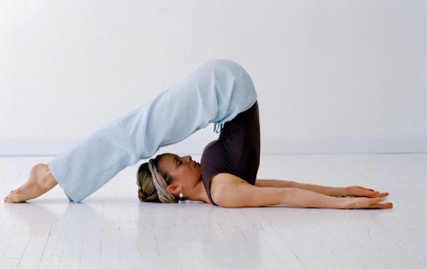 упражнения при опущении почек желательно совмещать с йогой