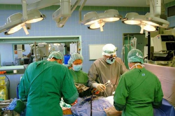 Открытая операция по удалению кисты почки