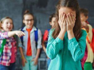Почему дети и подростки грызут или ковыряют ногти?