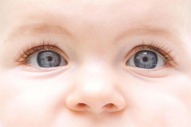 большие детские глаза
