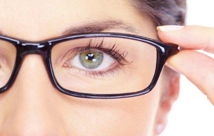 Эффективная операция на глаза: близорукость можно победить?