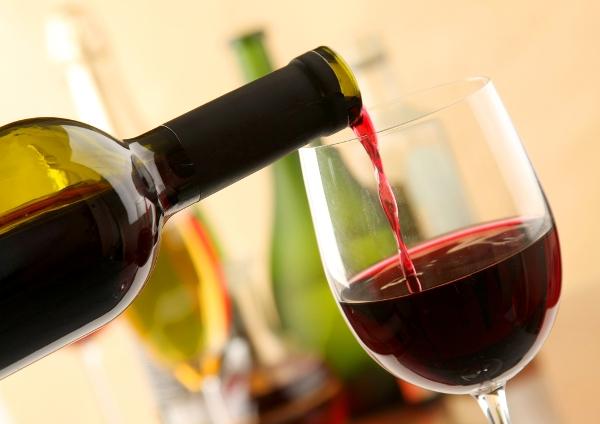алкогольная аллергия чаще всего возникает при употреблении вина
