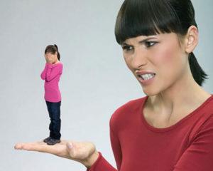 Что делать ребенку с токсическими материнскими посланиями?