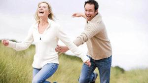 Как перестать бегать за парнем: советы психологов