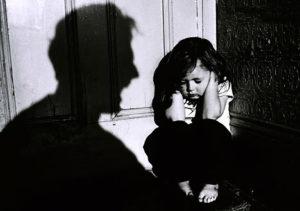 Физическое насилие: что чувствует при этом ребенок?