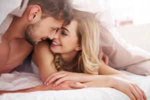 Что привлекает парней в женщине?