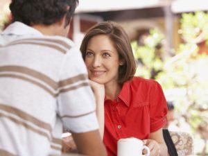 Почему так сложно завязать разговор первый раз: причины