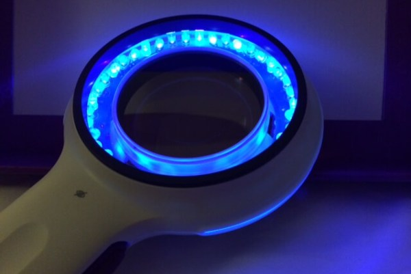 лампа Вуда для диагностики эритразмы