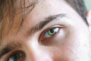 Особое поведение и взгляд мужчины, когда ему нравится женщина