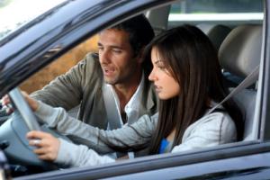 Как обольстить инструктора по вождению?