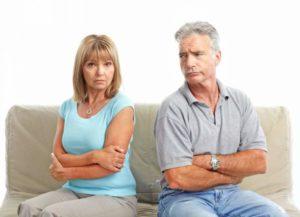 Почему люди расстаются спустя десятилетия семейной жизни?