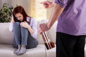 Алкогольная агрессия: что делать?