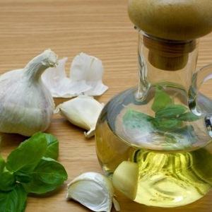 Как применять чеснок для лечения папиллом