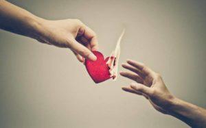Как успокоить сердечную боль после расставания с любимым?