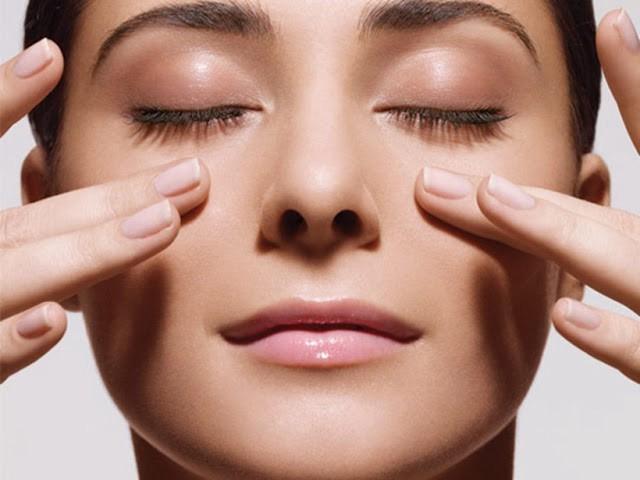 массаж пальцами под глазами