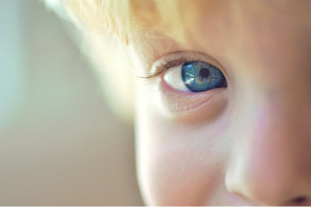 детский глаз фото