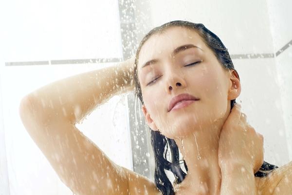 для профилактики чесотки нужно ежедневно принимать душ