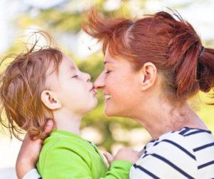 Виды и значение поцелуев двоих людей