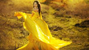 Если женщине нравится желтый: что это значит?