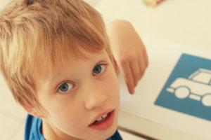 Как родителям понять, что у ребенка развивается аутизм?