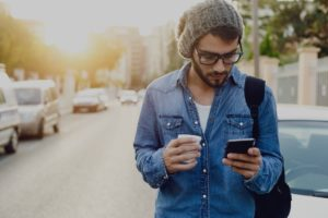 Как правильно общаться по телефону?